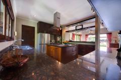 Villa-Kalimaya-I-Kitchen