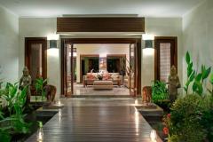 Villa-Kalimaya-I-Walkway-to-indoor-living-area