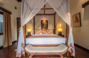 Villa-Kalimaya-III-Guest-bedroom-grandeur-1