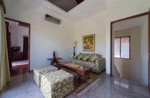 Villa-Kalimaya-IV-Upstairs-sitting-area